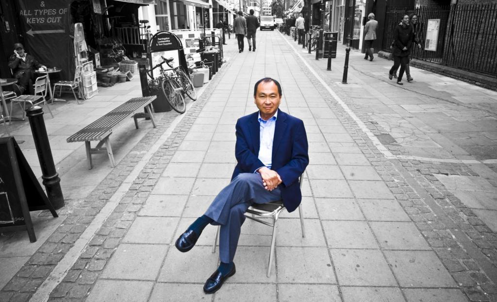 Francis Fukuyama nas ruas de Londres (foto: Cordon Press)