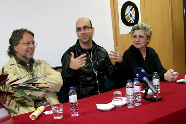 Encontro de Mia Couto e Valter Hugo Mãe com alunos da Escola Dr. Flávio Gonçalves, em Portugal (2008)