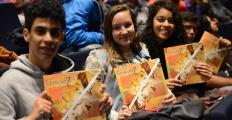 Fronteiras Educação recebe centenas de adolescentes em grande aula sobre tolerância