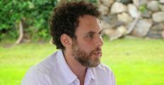 Estudos de Joshua Greene buscam saída para polarização da aldeia global