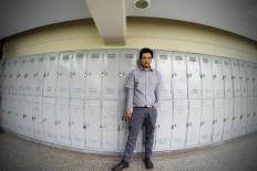 """""""Literatura está ligada à desordem"""", diz escritor chileno Alejandro Zambra"""