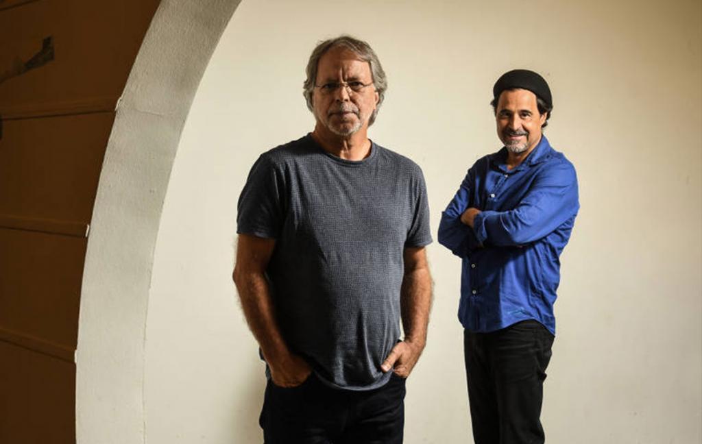 Mia Couto e Agualusa (foto: Karime Xavier / Folhapress)