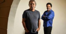 """Mia Couto e José Eduardo Agualusa lançam obra escrita em parceria, """"O terrorista elegante e outras histórias"""""""