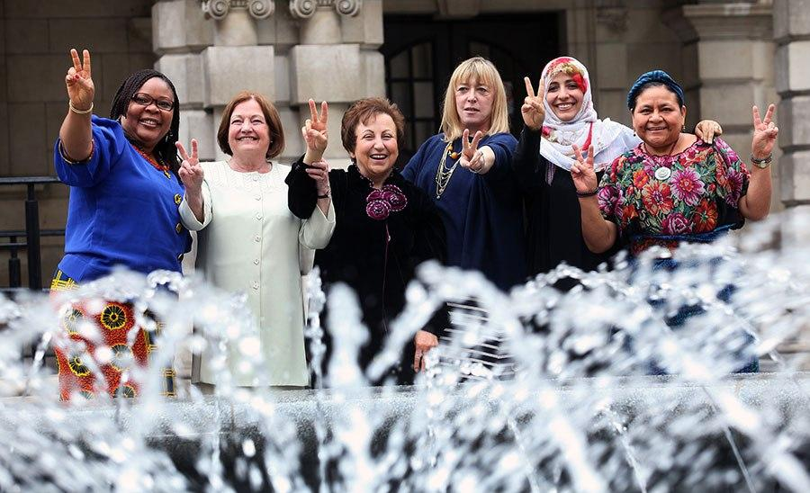 Nobel Women's Initiative: Leymah Gbowee, Mairead Maguire, Shirin Ebadi, Jody Williams, Tawakkol Karman e Rigoberta Menchú.