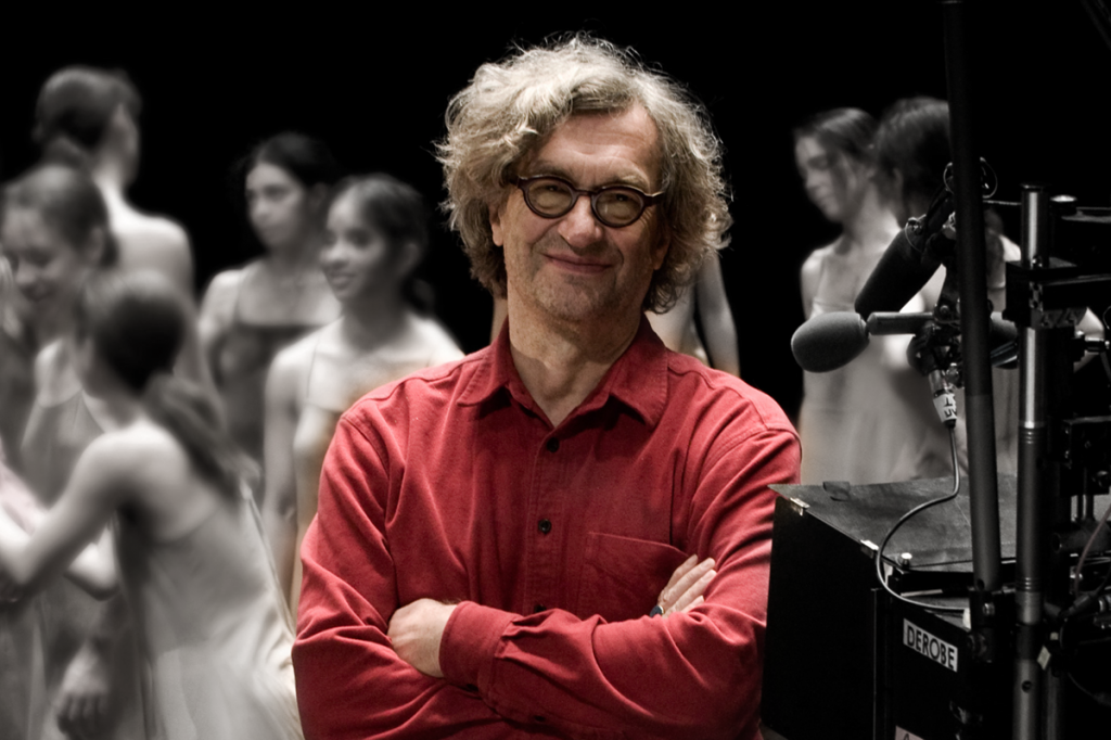 Wim Wenders durante as filmagens do documentário Pina (2011).