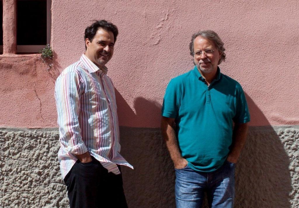 José Eduardo Agualusa e Mia Couto (Foto: Miguel Manso/Público)