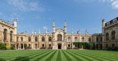 Universidade de Cambridge homenageia Eric Maskin e Manuel Castells com títulos honorários