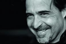 """José Eduardo Agualusa: """"Não tenho a menor intenção de morrer"""""""