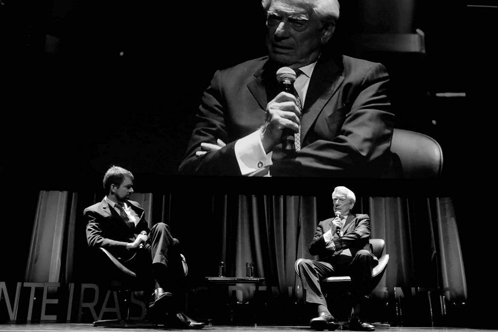 Fernando Schüler e Mario Vargas Llosa no Fronteiras São Paulo