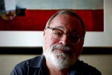 'Precisamos de menos filósofos e mais professores', diz Fernando Savater