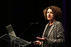 """Susan Pinker: """"Para as mulheres, a vida não é apenas trabalho, salário e promoções"""""""