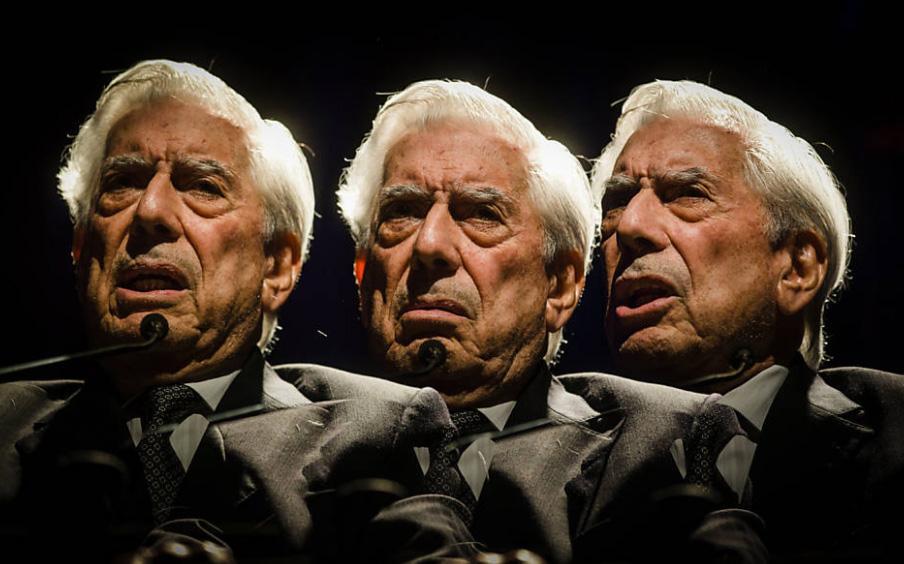 Vargas Llosa no Fronteiras São Paulo (foto:  Avener Prado/Folha Press)