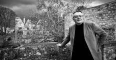 Filósofo britânico John Gray ataca 'problemas insolúveis' da era moderna