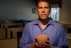 Paul Zak: a maioria das decisões tem um componente emocional
