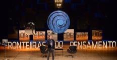 Pergunta Braskem: conheça Brian Greene, conferencista do Fronteiras desta semana