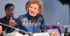 Mary Robinson altera a data de sua participação no Fronteiras São Paulo